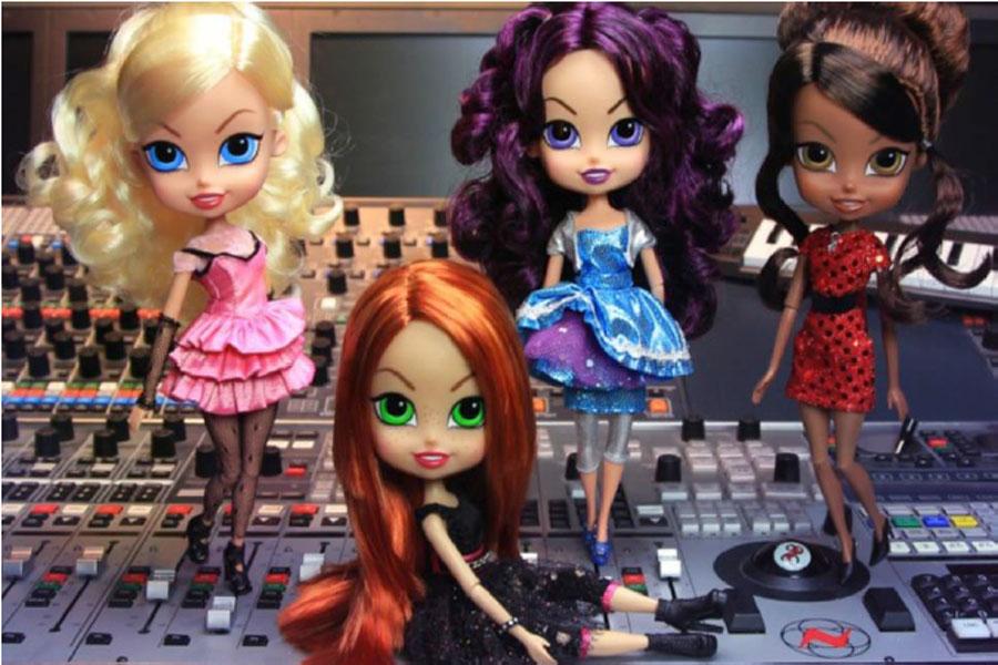 Planeta Junior boards m4e's THE BEATRIX GIRLS