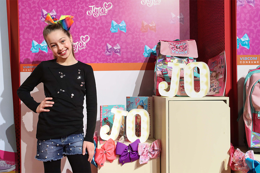 At Pitti Bimbo 88 Nickelodeon presented the new star for the little girls: Jojo Siwa