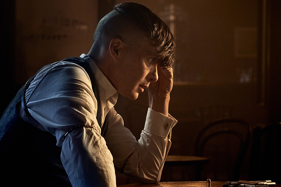 FIRST OFFICIAL PEAKY BLINDERS QUIZ BOOK