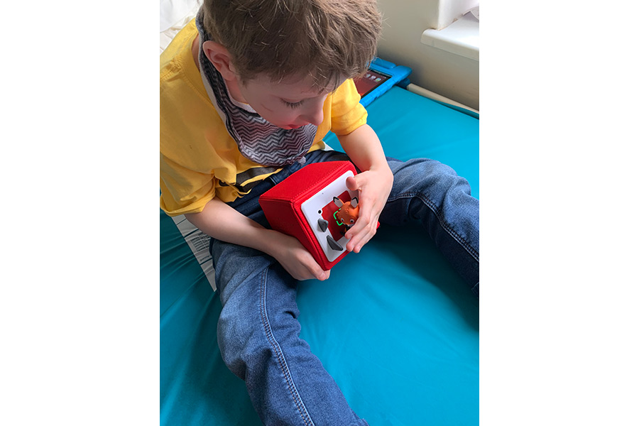 TONIES® DELIVERS THE GIFT OF STORIES AND SONGS TO CHILDREN UNDERGOING TREATMENT IN THE UK